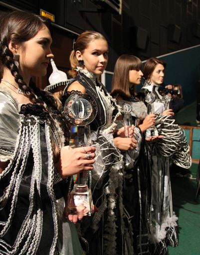 Победителям Кинофестиваля вручали стеклянный Земной шар