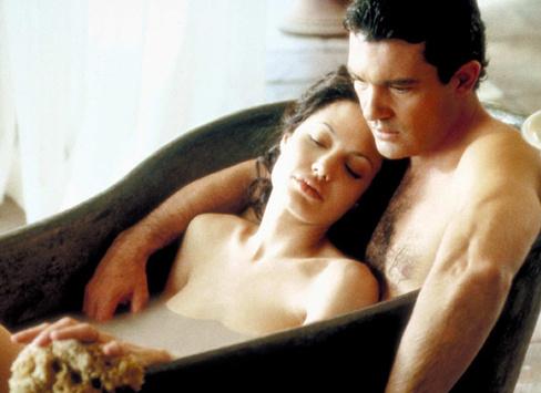 На двоих: 15 эротических сцен в кино