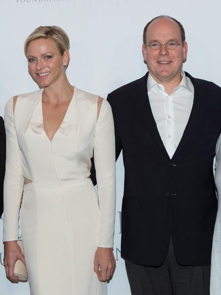 Княгиня Монако Шарлен родила близнецов новости