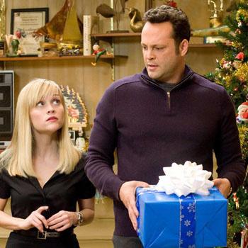 Кадр из фильма «Четыре Рождества» (Four Christmases), где Риз Уизерспун сыграла вместе с Винсом Воном (Vince Vaughn)