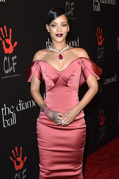 Рианна на благотворительном вечере Annual Diamond Ball