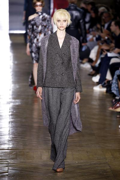 Показ Ulyana Sergeenko на Неделе Haute Couture в Париже | галерея [1] фото [4]