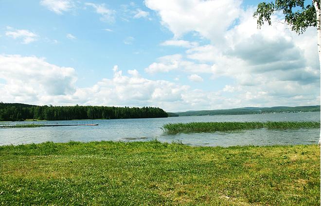 Пляж кемпинга «Лагуна» (озеро Таватуй), фото