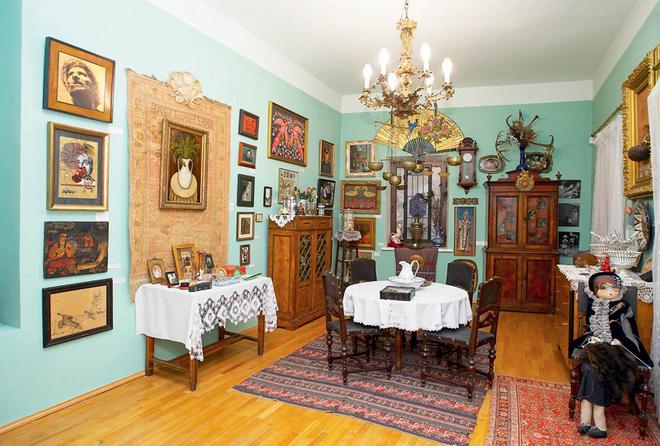 Комната в музее Параджанова