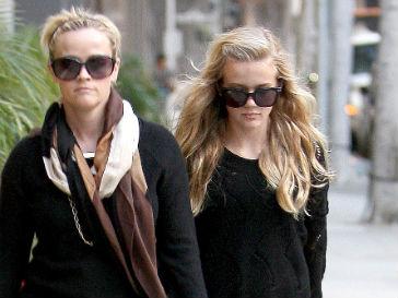 Риз Уизерспун (Reese Witherspoon) с дочкой Авой
