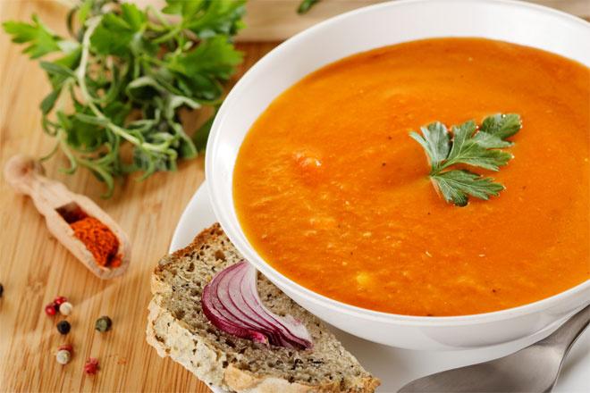 Суп-пюре из красной чечевицы с тыквой