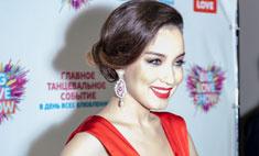 Виктория Дайнеко вышла в свет в эротичном платье