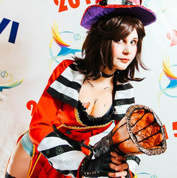 Мокси из компьютерной игры, фестиваль фэнтези и фантастики