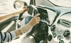 Красотки за рулем: очаровательные автоледи Магнитки