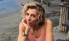 Крутим бедрами: Бондарчук устроила жаркие танцы в купальнике