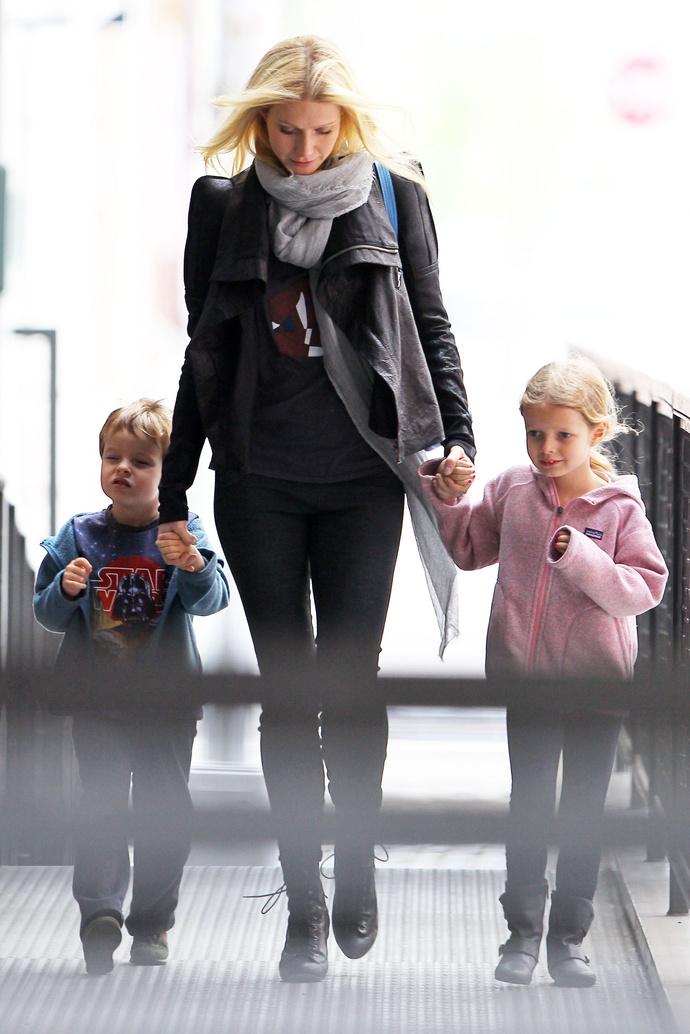Гвинет Пэлтроу с детьми