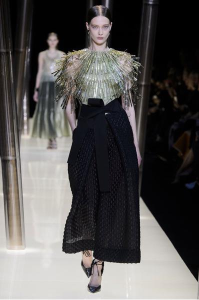 На Неделе высокой моды в Париже прошел юбилейный показ Giorgio Armani Prive | галерея [1] фото [13]