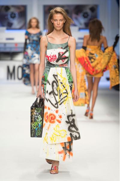 Показ Moschino на Неделе моды в Милане | галерея [5] фото [6]