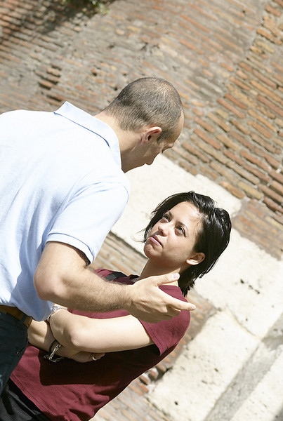 Способов подчинять себе близкого человека много, в частности и с помощью чувства вины