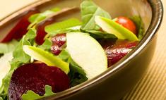 Салат из свеклы с яблоками и сыром