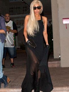 Леди ГаГа (Lady GaGa) неравнодушна к готическому стилю