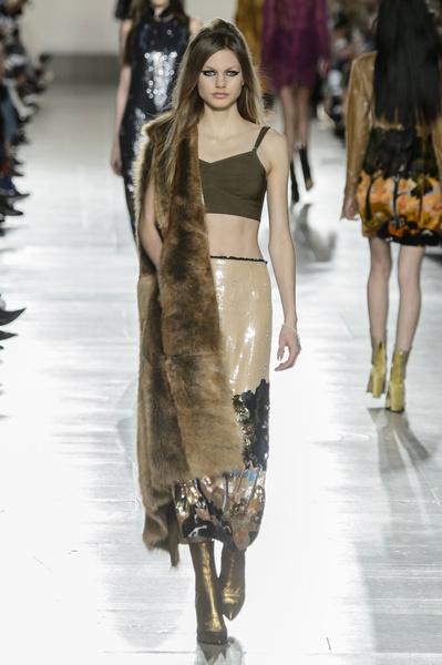 Самые красивые образы Недели моды в Лондоне | галерея [1] фото [6]