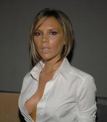 Когда с локонами Пош рассталась, ее прическу «боб» копировали многие звезды (2007)