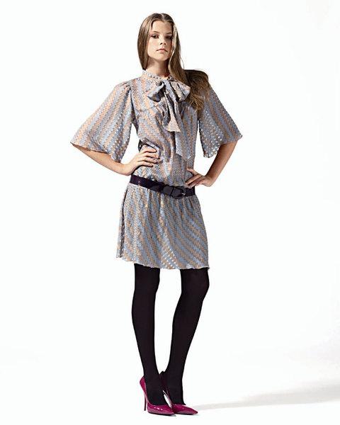 Платье из шелка с бантом, Kristina Ti;ремень, Max&Co.;туфли, Casadei