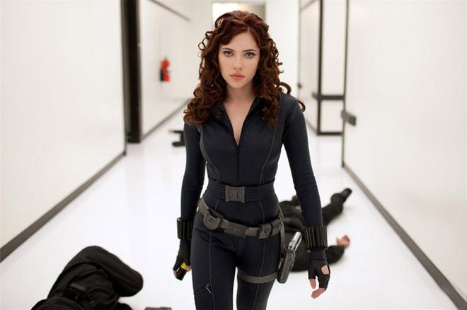 Скарлетт Йоханссон настолько сильно хотела получить роль Черной вдовы, что покрасила волосы в рыжий цвет еще до того, как ее утвердили на роль.