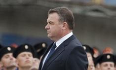 В правительстве опровергли слухи об отставке Анатолия Сердюкова