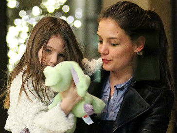 Кэти Холмс (Katie Holmes) хочет воспитывать Сури Круз одна