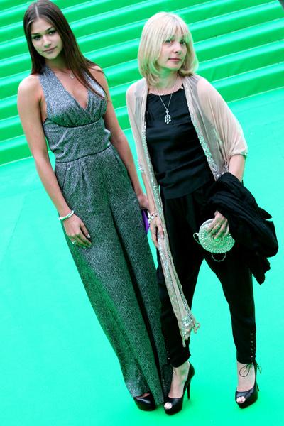 Вера Глаголева с дочкой