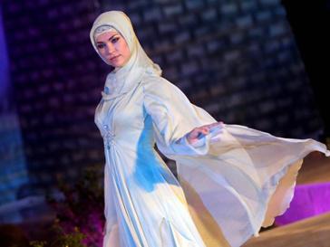Медни Кадырова впервые показала коллекцию одежды за пределами Чечни