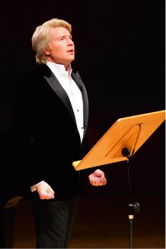 Лучший тенор эстрады или популярный оперный голос?