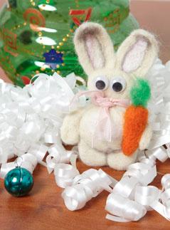 мастер-класс, подарки, своими руками, войлок, поделки из войлока, рукоделие, заяц, 2011 год, год белого Кролика, новогодний подарок, сухое валяние, поделки из войлока, поделки из шерсти, фильцевание