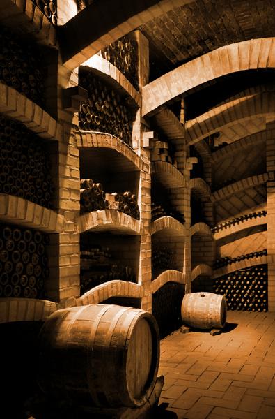 Винодел отвечает за весь процесс производства вина