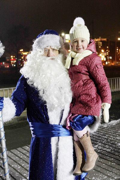 На канале СТС вместо «Новогоднего огонька» нам покажут три премьерных серии «Папиных дочек».