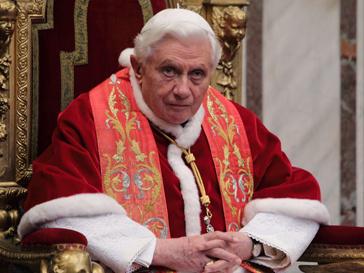 Папа Римский разрешил соцсети