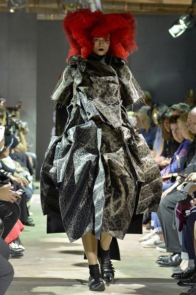 Неделя моды в Париже: день пятый   галерея [4] фото [5]