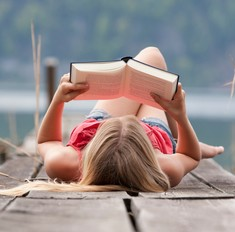 15 Instagram-аккаунтов, которые вдохновят на чтение во время каникул