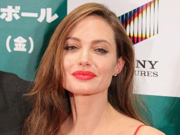 Анджелина Джоли (Angelina Jolie) прокомментировала критическое отношение к ее фильму в Сербии