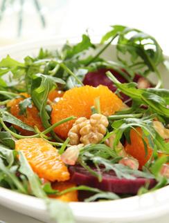 Салат из свеклы, ревеня и апельсинов