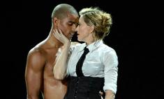 Трудно устоять: 10 певиц, которые соблазнили своих танцоров
