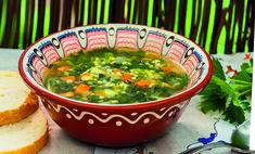 Крапивный суп с крупкой
