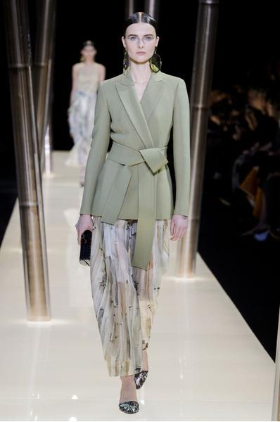 На Неделе высокой моды в Париже прошел юбилейный показ Giorgio Armani Prive | галерея [1] фото [23]