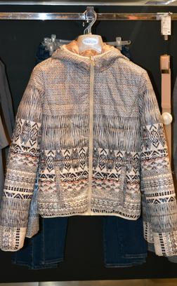 Омск, пуховик, модные тенденции, абстракция