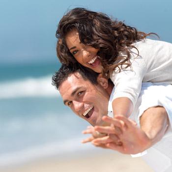При высокой влажности хорошо бывает только на жарком юге, где лучше проводить время на пляже.
