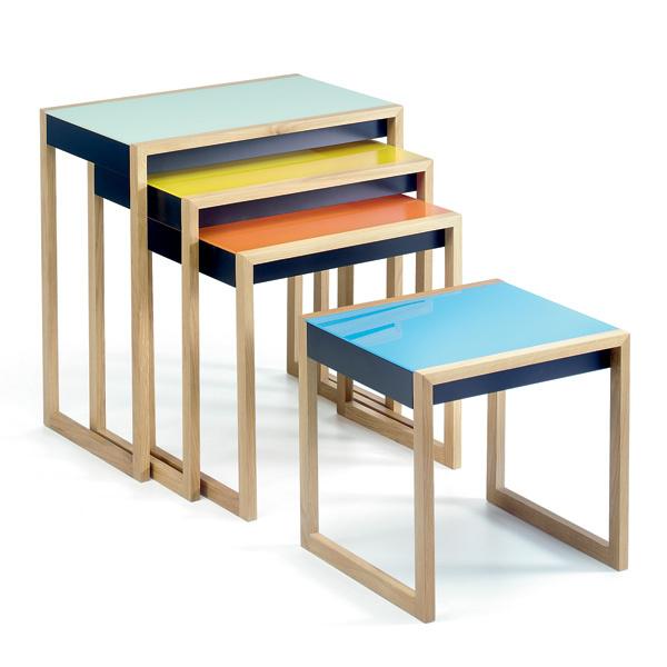 Первые «гнездующиеся» столики придуманы ещевначале прошлого века. Темнеменее ихвыпуск продолжается. Столики Nesting table (Vitra, Швейцария). 66440руб.