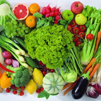 Не забывайте перед употреблением в пищу мыть ВСЕ овощи и фрукты, причем желательно кипяченой водой.