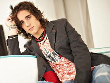 Диего Гонсалес (Diego Gonzales) исполнит роль музыканта в фильме «Рок на века»