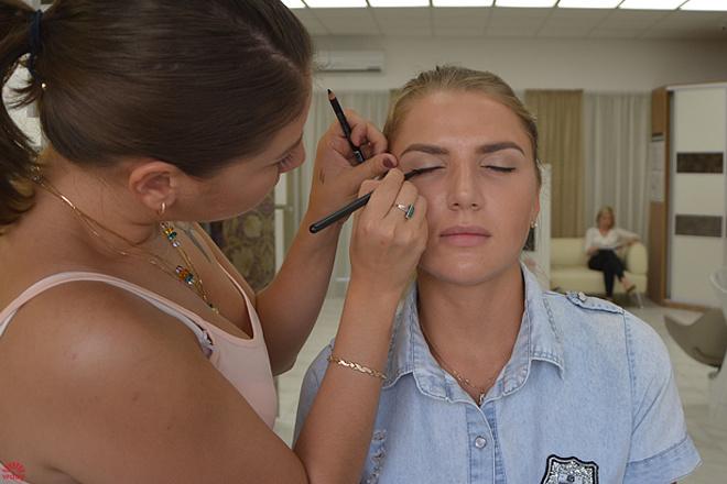 Алена Романенко, макияж до и после, фото