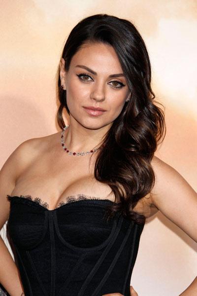 Мила Кунис на премьере фильма «Восхождение Юпитер» в Лос-Анджелесе
