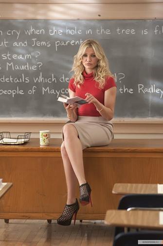 Кто сомневается, что у 30-летней учительницы (Диас) блестящие перспективы?