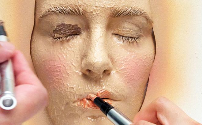 365 слоев макияжа