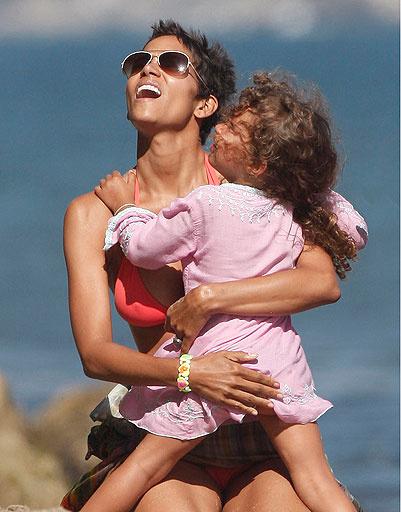 Холли Берри (Halle Berry) с дочкой